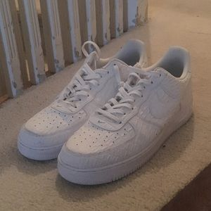 Nike Air Force 1 07 LV8 Size 13